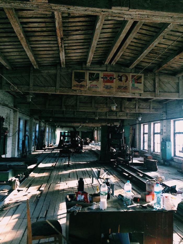 ウクライナという混沌の中で広がるクラブカルチャーの未来 「Closer」が仕掛けるフェス<BRVAE! Factory Festival> km60_factory-700x934