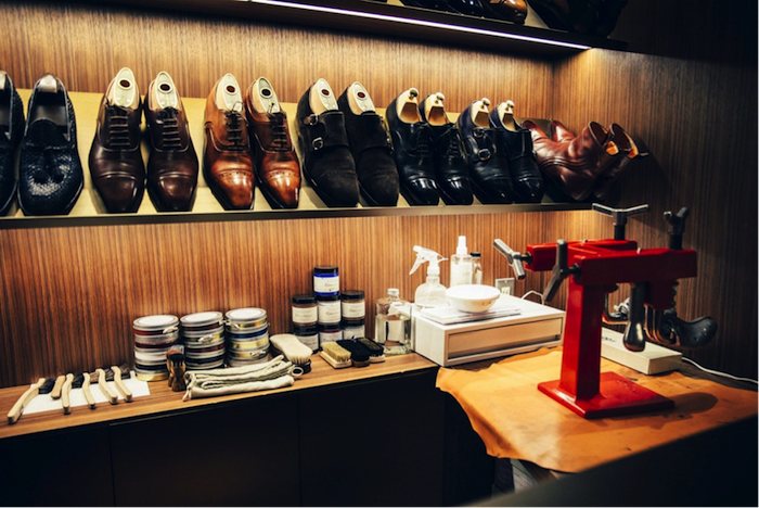 大人な男こそ履くべき靴とは?イタリアブランド『サントーニ』からおすすめのビジネスシューズを厳選 170911_Santoni_01-700x468