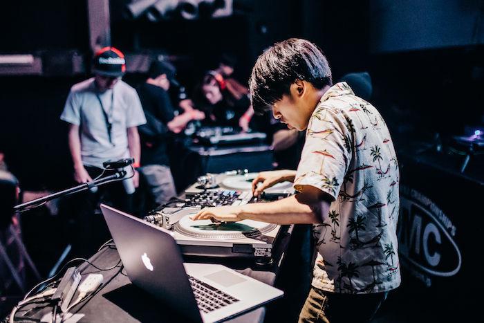 【レポート】DJ同士の熱き戦い<DMC JAPAN FINAL>。弱冠12歳、DJ RENAが優勝! dmcjapan-1709062-700x467