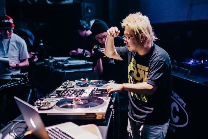 【レポート】DJ同士の熱き戦い<DMC JAPAN FINAL>。弱冠12歳、DJ RENAが優勝! dmcjapan-1709063-700x467