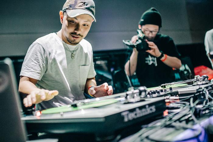 【レポート】DJ同士の熱き戦い<DMC JAPAN FINAL>。弱冠12歳、DJ RENAが優勝! dmcjapan-1709066-700x467