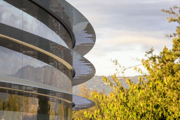 アップル、秋の製品発表イベントの舞台は「スティーブ・ジョブズ・シアター」!地下に広がる空間の全貌は? technology170907_apple_1-700x467