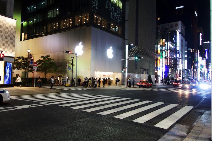 iPhone Xに先駆けて、iPhone 8発売!Apple Store銀座に行列はできたのか? technology170922_applestore_4-700x467