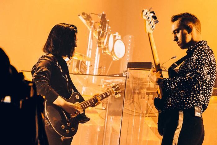【フジロックフォトレポ】The xx、グリーン・ステージに響くサウンドとジェイミーのDJ thexx_1709143-700x467