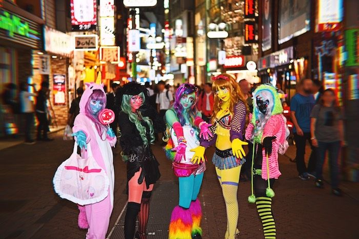 TBS有吉ジャポン次回予告に話題の異色肌ギャルが?!ギャルの聖地渋谷で何かが起こる!? 20171011_ishoku_shibuya_sub-700x466