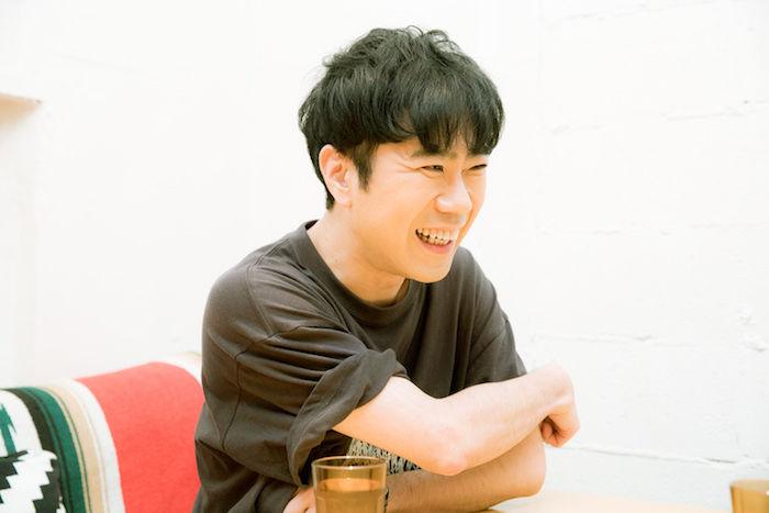 【インタビュー】藤井隆、「芸人」という核を持ちながら音楽でも才能を発揮するエンターテイナーの魅力に迫る takashifujii_10-700x467