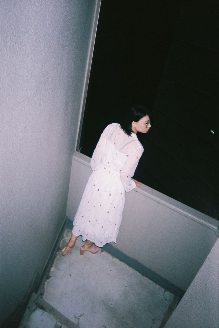 エモい女の子の攻略方法.vol06 服やメイク、パンツの色なんて見ないでよ。【エモスナップ:真野未華】 FH000012-700x1045