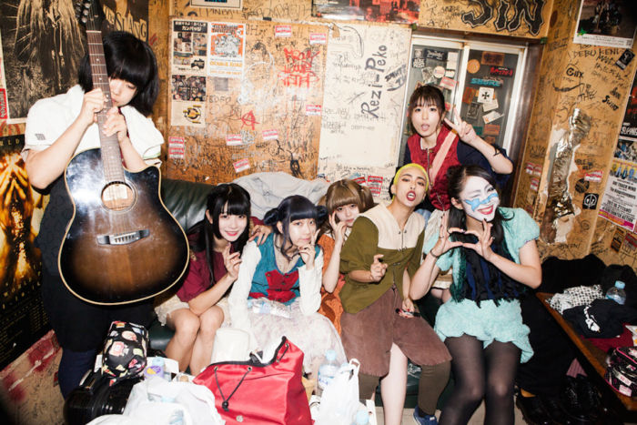 BiS×GANG PARADEドキュメンタリー写真集発売!14人のアイドルの素顔に迫る! art171109_bis-gangparade_01-700x467