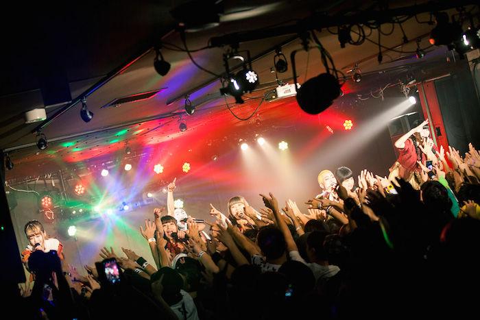 BiS×GANG PARADEドキュメンタリー写真集発売!14人のアイドルの素顔に迫る! art171109_bis-gangparade_2-700x467