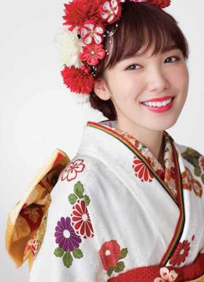 今注目の女優・飯豊まりえ、男女両目線で楽しめる写真集がAmazon写真集ランキング上位に! art171114_marieiitoyo_1-700x966
