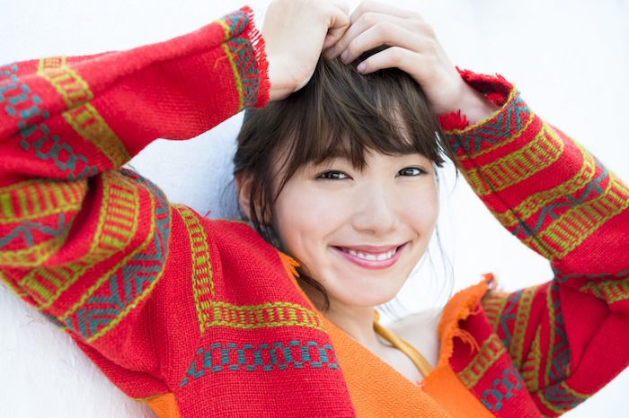 今注目の女優・飯豊まりえ、男女両目線で楽しめる写真集がAmazon写真集ランキング上位に! art171114_marieiitoyo_3-700x466