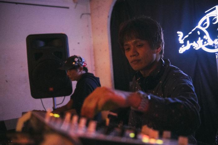 【ライブレポ】ゲーム音楽の祭典<DIGGIN' IN THE CARTS>。Kode9、Chip Tanakaらが映像とともに形成する新たな文脈 ditc-feature27-700x467