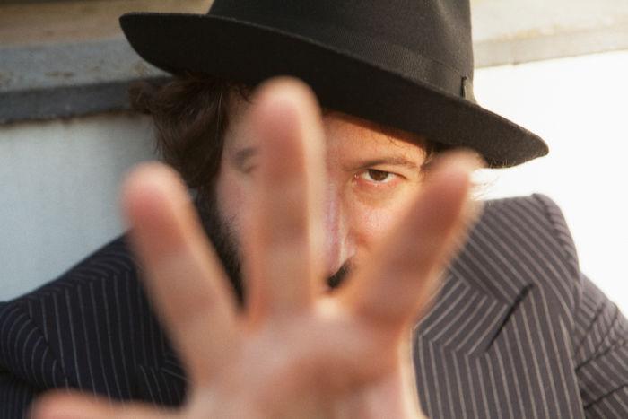 【インタビュー】映画『エンドレス・ポエトリー』アダン・ホドロフスキーが明かす舞台裏!ホドロフスキー映画、制作の秘密とは? interview_endlesspoetry_2-700x467