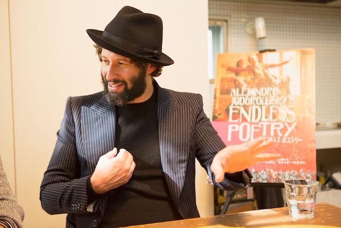 【インタビュー】映画『エンドレス・ポエトリー』アダン・ホドロフスキーが明かす舞台裏!ホドロフスキー映画、制作の秘密とは? interview_endlesspoetry_7-700x467