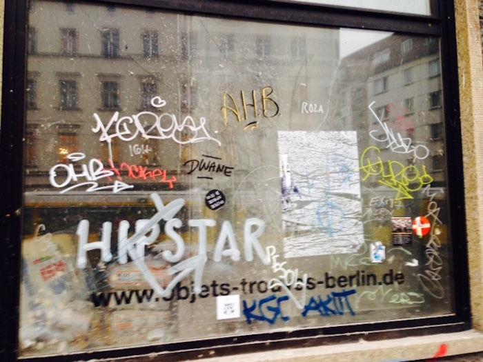 【実録!!】ドイツの首都ベルリンでビザ延長が認められるまでの長い道のり km-post64_berlin-image-700x525