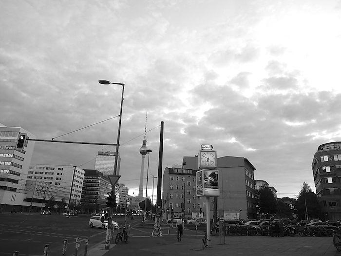【実録!!】ドイツの首都ベルリンでビザ延長が認められるまでの長い道のり km-post64_berlin-image2-700x525