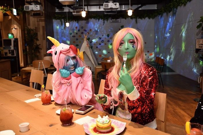『異色肌ギャル』がVRで大暴れ!?「VR ZONE SHINJUKU」に降臨! miyako-8-700x466