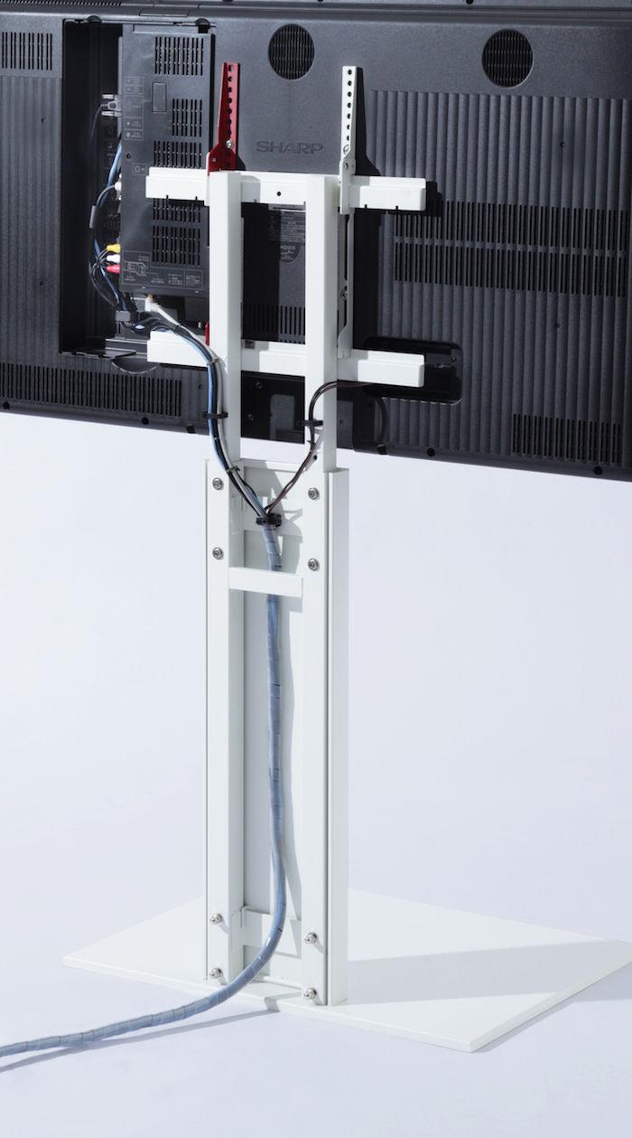 賃貸でも大丈夫な壁掛け風テレビスタンド!壁との一体化を極限まで追求 technology171114_walltvstand_2-700x1259