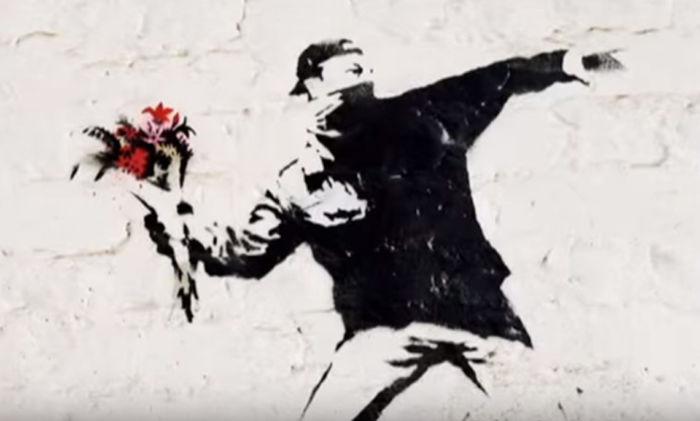 バンクシー(Banksy)の正体判明!?制作中の姿が激写