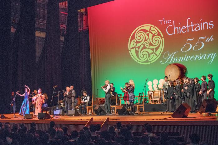 【ライブレポ】アイルランドが誇る国宝級バンド、ザ・チーフタンズ(The Chieftains)が魅せた特別な一夜 chieftains_7944-700x467