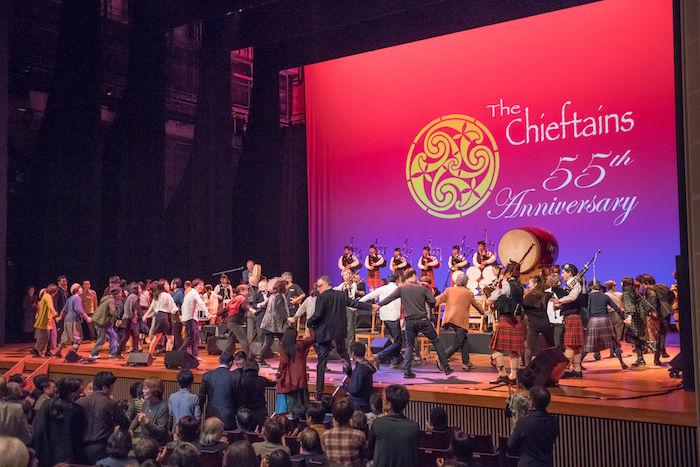 【ライブレポ】アイルランドが誇る国宝級バンド、ザ・チーフタンズ(The Chieftains)が魅せた特別な一夜 chieftains_8092-700x467