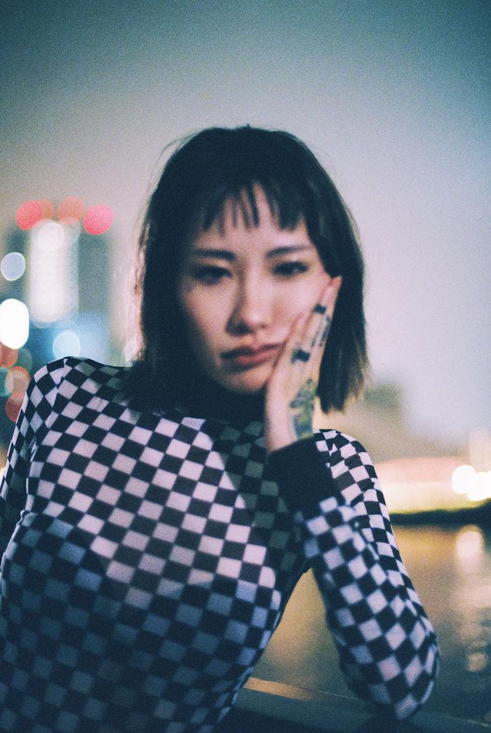 【インタビュー】ゆるふわギャング SOPHIEEからNENEへ。「東京の中のオアシス」を描いたデビュー・アルバム interview_nene_1-700x1045