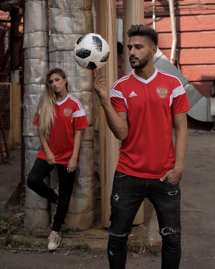 <2018 FIFAワールドカップ ロシア>まで190日!公式試合球adidas「TELSTAR18」がカッコイイ! life171205_tetestar18_8-700x875