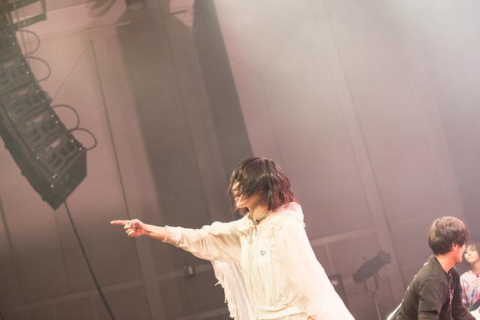 【ライブレポ】「大森靖子」と「TK from 凛として時雨」が<TOKYO CUTTING EDGE Vol.00>で示したお互いへのリスペクト music_cuttingedge_4-700x467