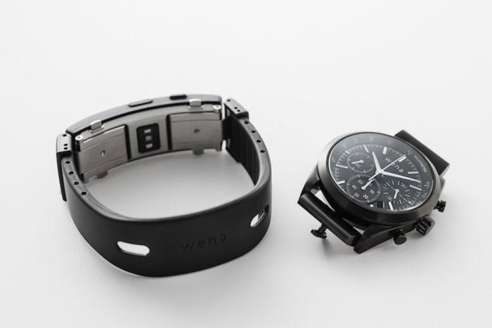 新「wena wrist」は時計&ウェアラブルデバイス両方向へ進化! technology171207_sony_wenawrist_kawasaki_01-700x467