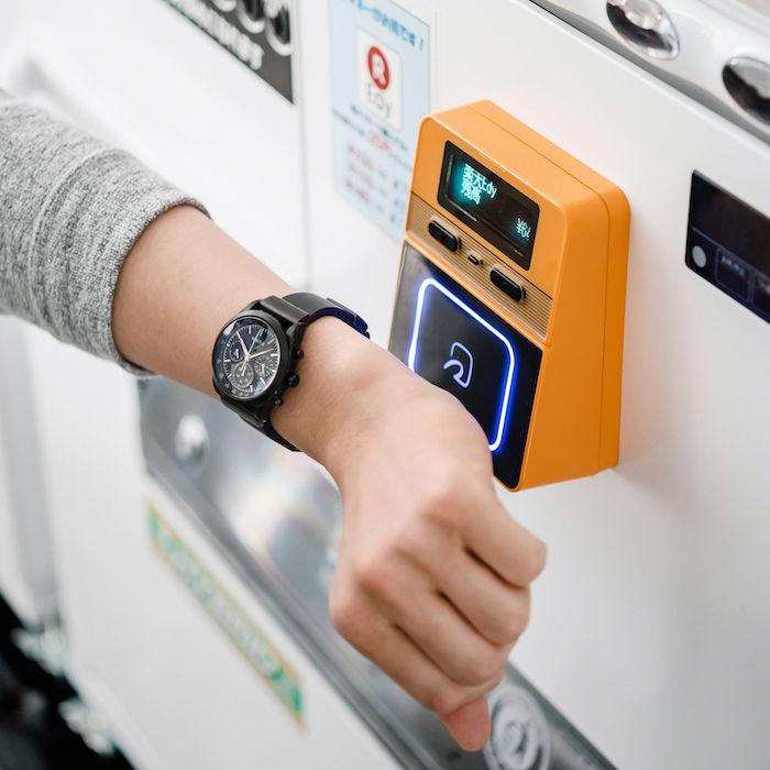 新「wena wrist」は時計&ウェアラブルデバイス両方向へ進化! technology171207_sony_wenawrist_kawasaki_6-700x700