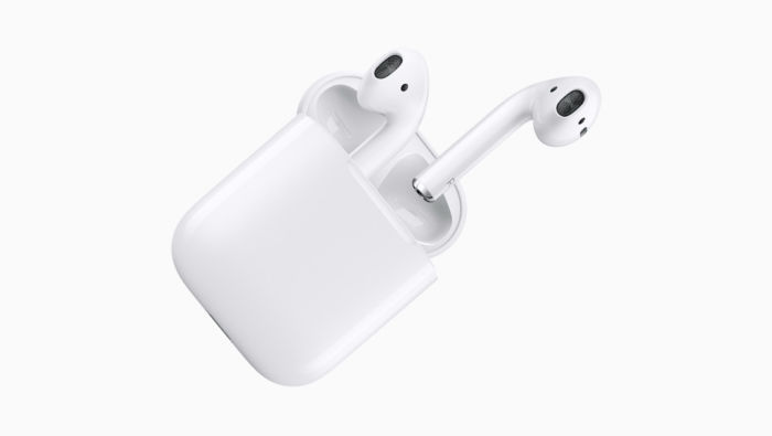 iPhone6.1インチは遅れて発売?AirPower、AirPodsワイヤレス充電ケースは9月に同時登場するかも! technology171219_airpods_2-700x395