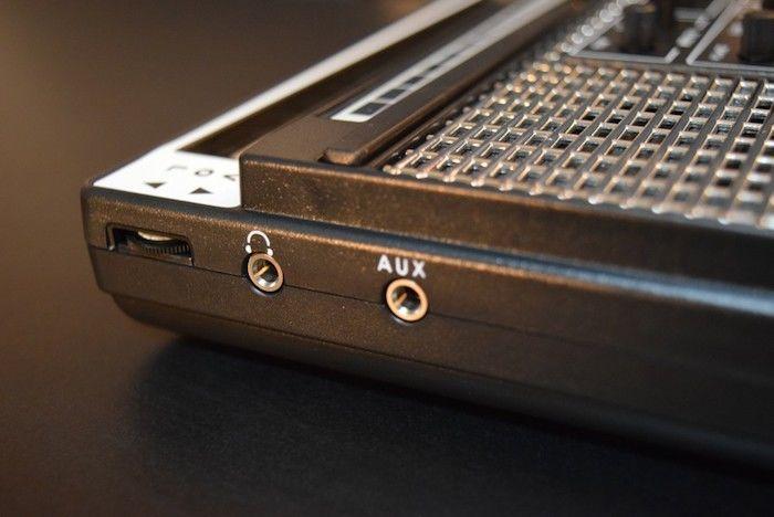 どこでも気軽に持ち運べるアナログ・シンセに進化した『Stylophone GEN X-1』の魅力 technology_StylophoneGENX-1_06-700x468
