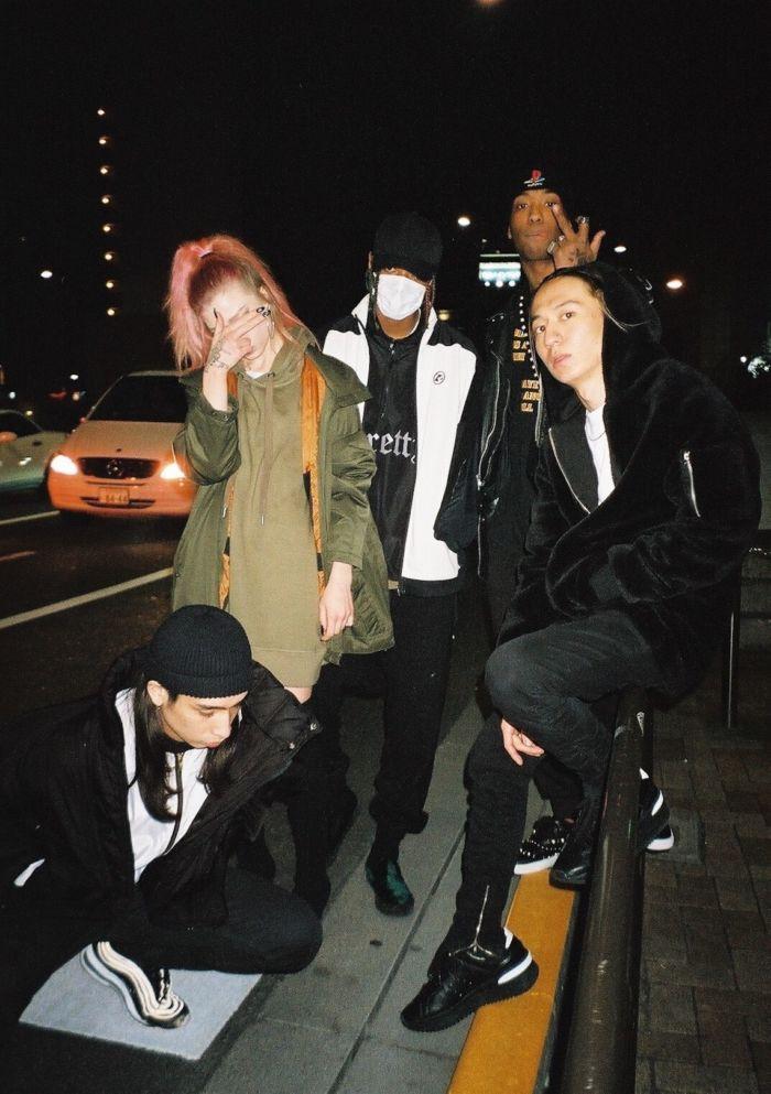 【インタビュー】 渋谷が生んだ新世代クルー・kiLLaが、1stアルバム『GENESIS』で提示する世界基準のHIPHOP killa-pickup5-700x993