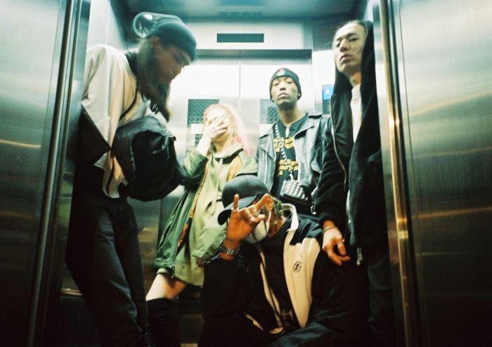 【インタビュー】 渋谷が生んだ新世代クルー・kiLLaが、1stアルバム『GENESIS』で提示する世界基準のHIPHOP killa-pickup7-700x494