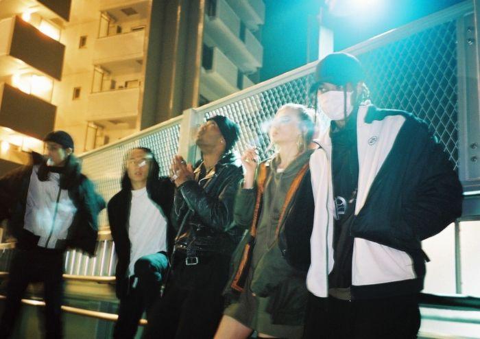 【インタビュー】 渋谷が生んだ新世代クルー・kiLLaが、1stアルバム『GENESIS』で提示する世界基準のHIPHOP killa-pickup8-700x494