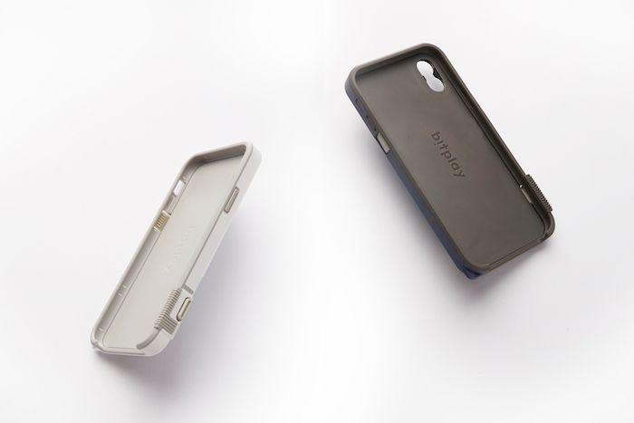 物理シャッターボタンを搭載できるiPhone Xケースが登場! technology180122_snapx_6-700x467