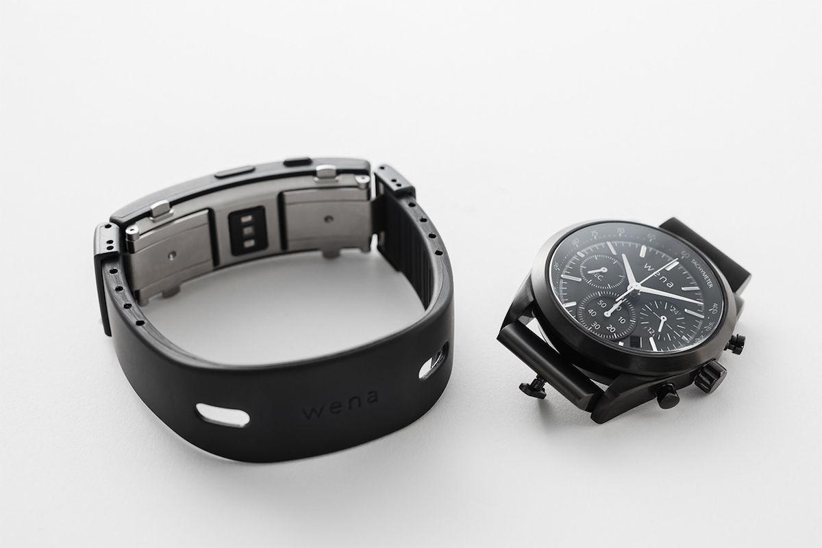 Apple Watchユーザーでも気になる!オン/オフを切り替えられる新モデル「wena wrist active」予約開始! technology180228_wenawrist-active_3-1200x801