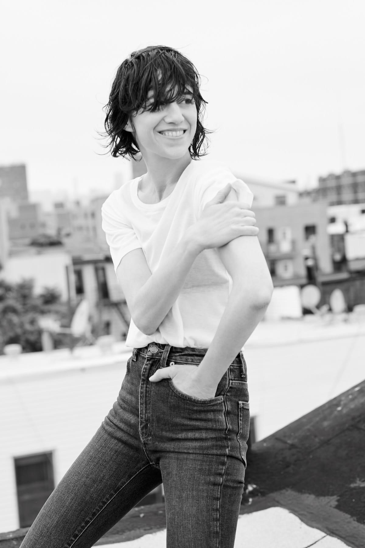 【インタビュー】来日公演間近!フレンチ・アイコン、シャルロット・ゲンズブールが語る、NY生活と日本への想い interview_charlottegainsbourg_2-1200x1800