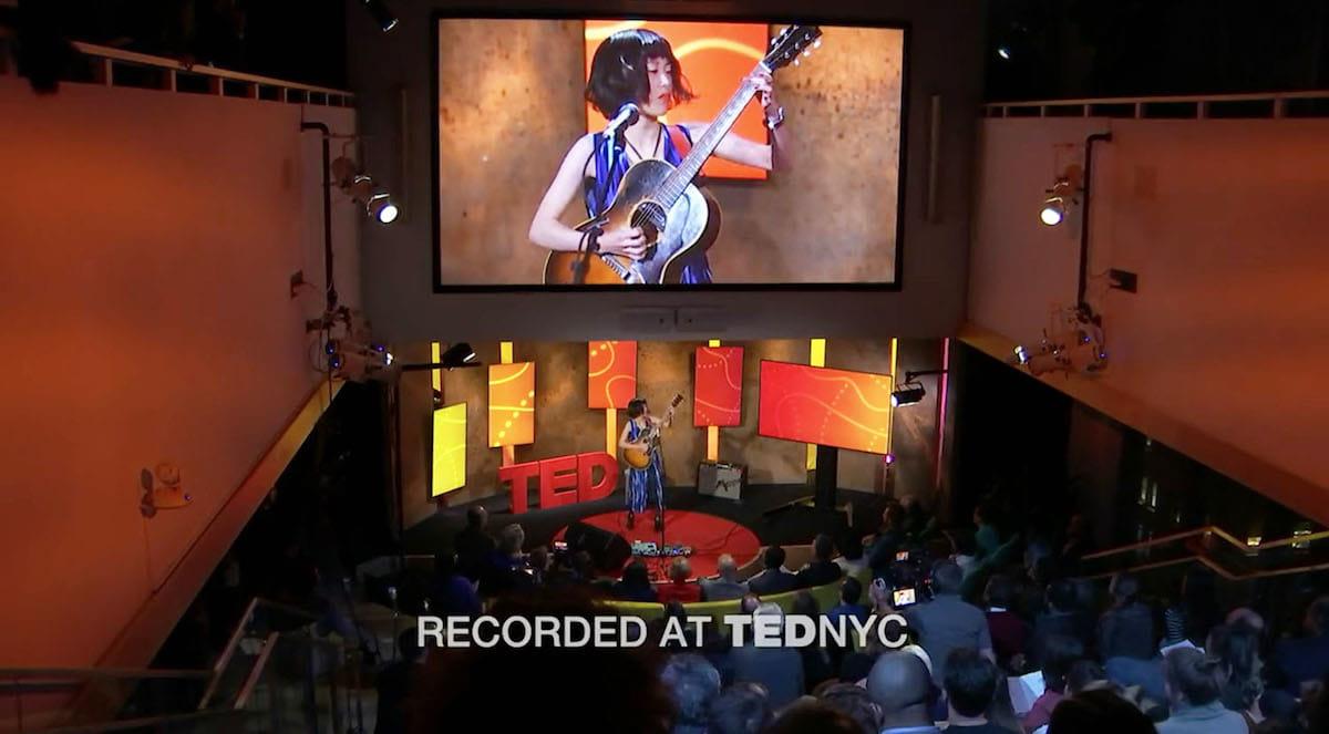 Reiの<TED NYC>でのパフォーマンス動画がTEDのアカウントで公開! music180322_guitarei_3-1200x663
