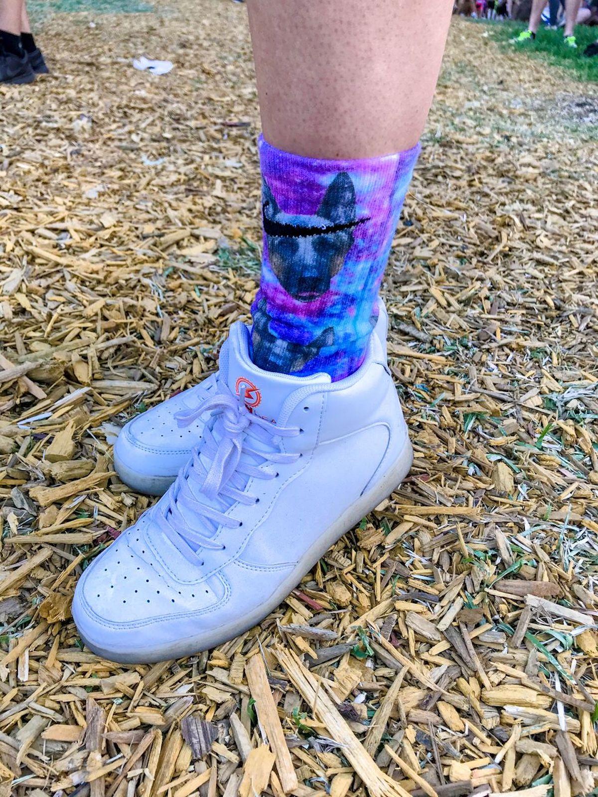 <ULTRA MUSIC FESTIVAL 2018>ファッションスナップ:シースルー、エナメル素材が最新フェスファッショントレンド? music180326_ultramusicfestival-fashion_8