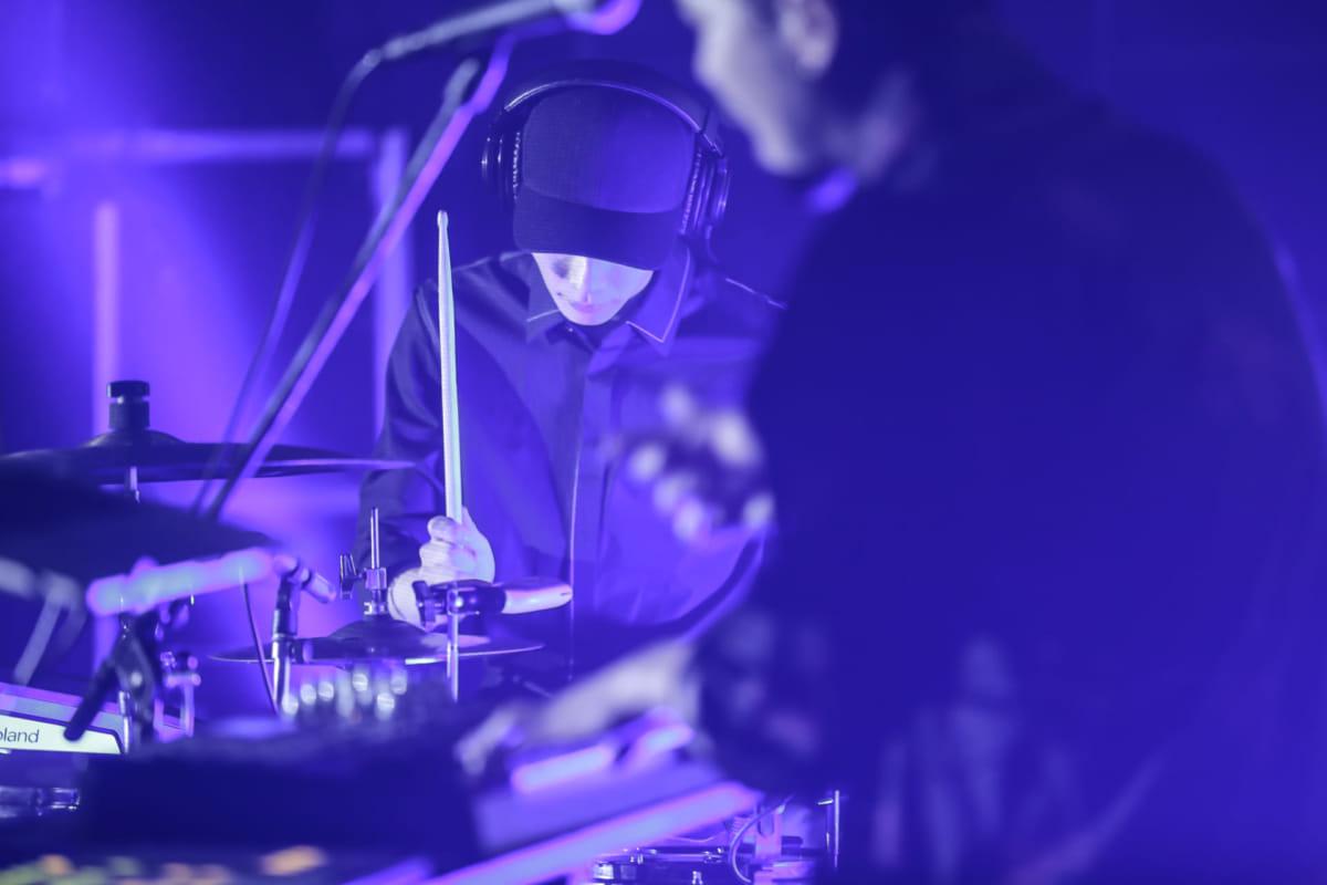 yahyel、2ndアルバム『Human』リリースツアー開幕!初日、恵比寿LIQUIDROOM公演ライブレポート公開! music180331_yahyel_2-1200x800