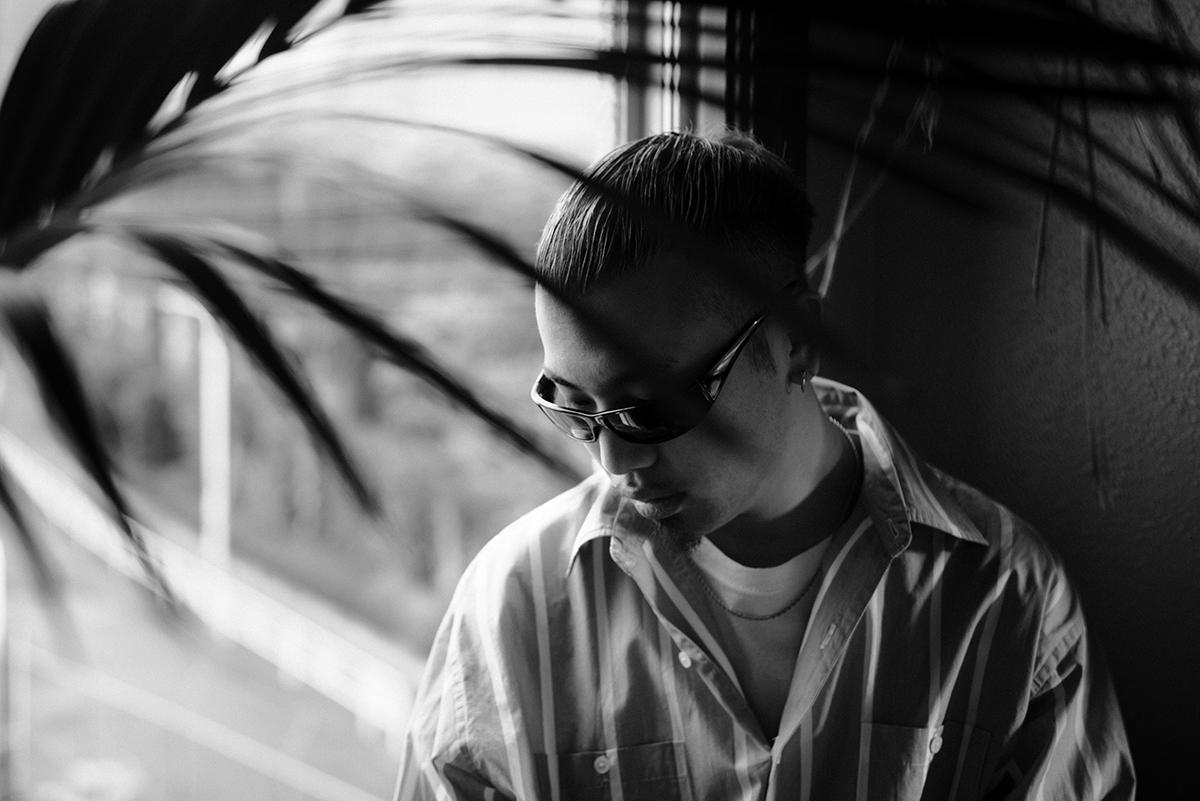 【インタビュー】YENTOWNの最年少ラッパー・kZmが、1stアルバム『DIMENSION』でHIPHOPをさらなる次元へと誘う re_photo_06