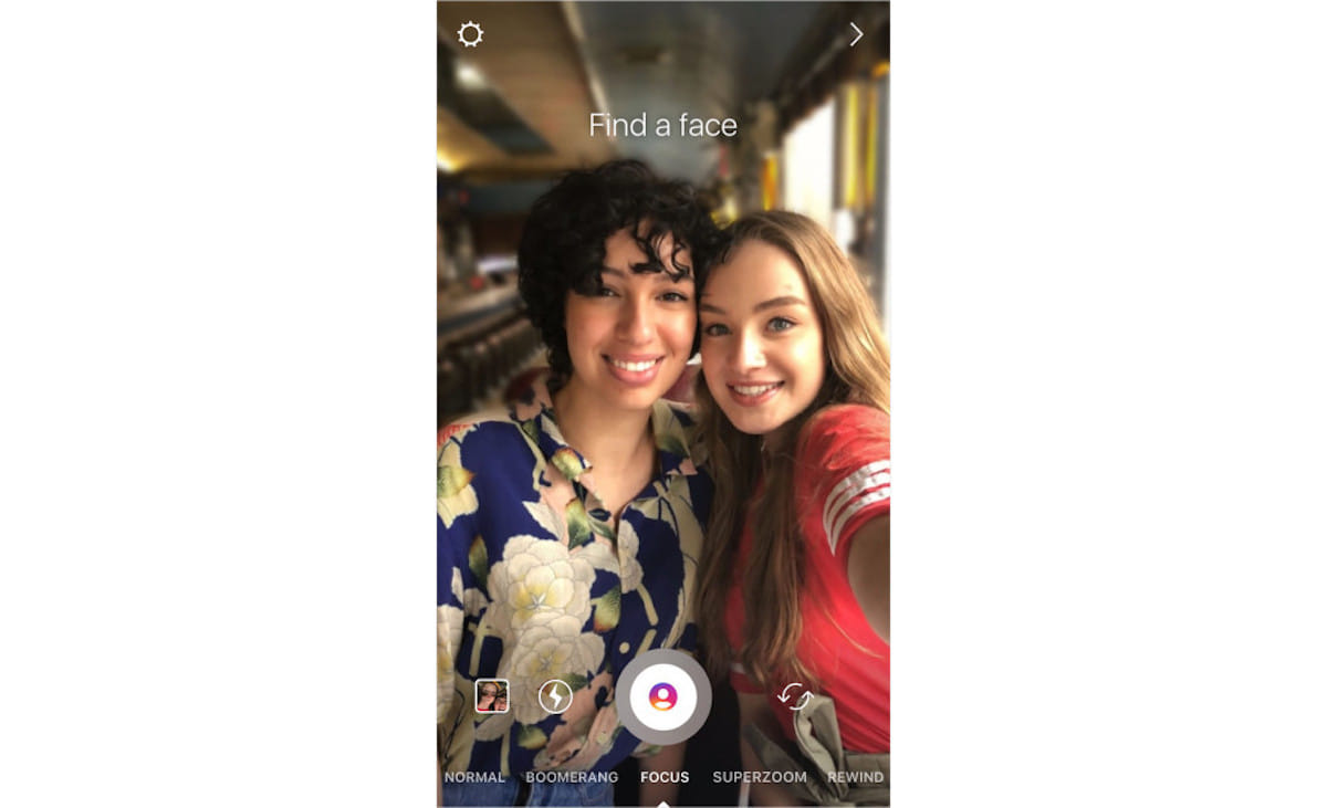 インスタ新機能「FOCUS」iPhoneのポートレートモードのように人物写真にボケ味を追加! technology180411_instagram_3-1200x731