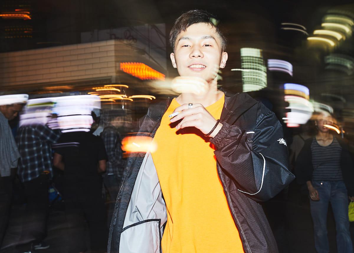 """【インタビュー】福岡在住のラッパー・NF Zesshoが、3rdアルバム『CURE』で仲間たちと表現する""""少しだけ救われた""""今の音と言葉。 180428_QeticZ0445-1200x857"""