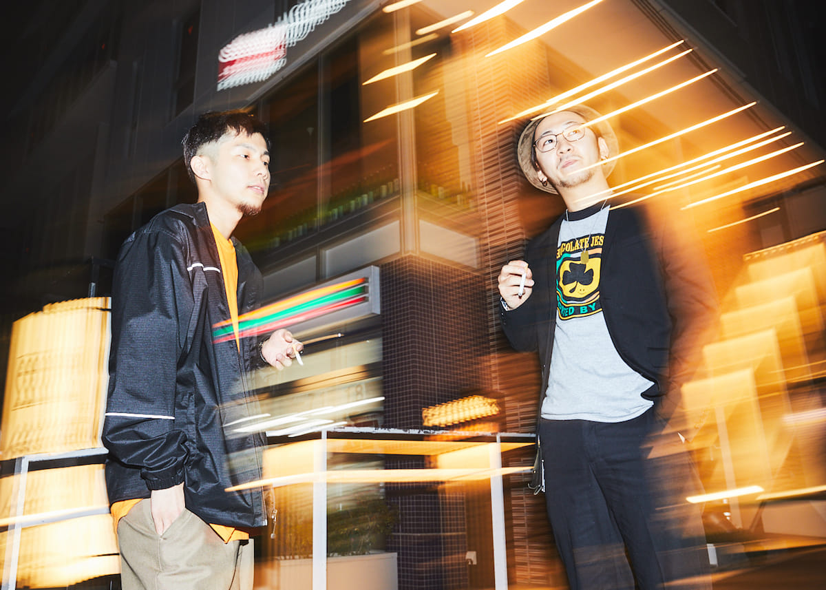 """【インタビュー】福岡在住のラッパー・NF Zesshoが、3rdアルバム『CURE』で仲間たちと表現する""""少しだけ救われた""""今の音と言葉。 180428_QeticZ0463-1200x857"""