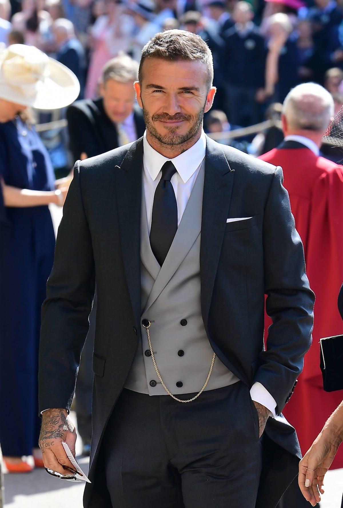 ベッカムがキム・ジョーンズが初めて手がけたディオール オムを纏って英国ロイヤルウエディングに登場! fashion180522_dior-homme_1-1200x1776