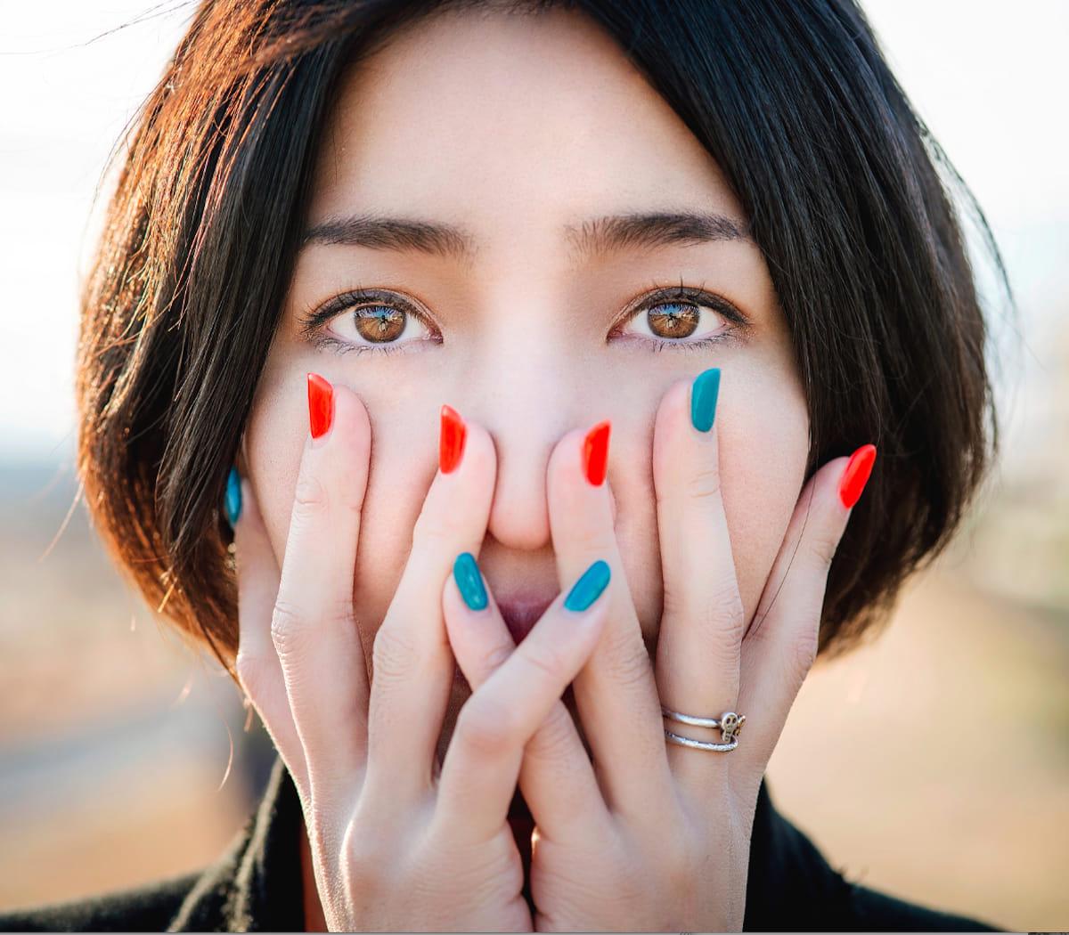 少数民族を撮り続ける写真家ヨシダナギがデザイナー鷺森アグリとコラボ! fashion180523_nagiyoshida-agris_1-1200x1050