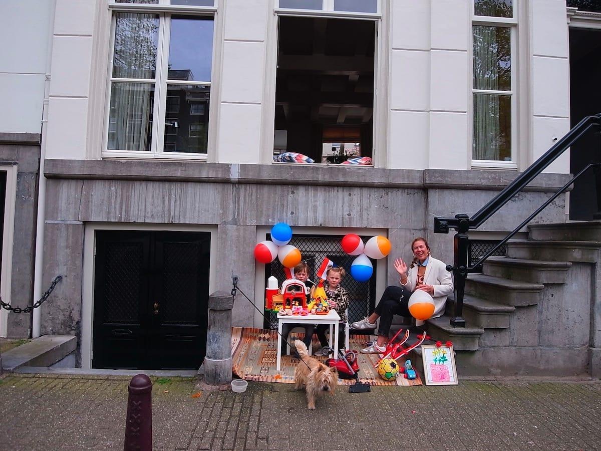 街中がオレンジに染まるアムステルダムのキングスデー。何やってもOKってどうゆうこと!? km-post73__1008796-1200x900