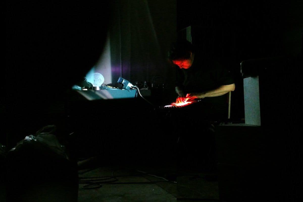 現代デジタル・アートの旗手的先鋭レーベル〈Orange Milk〉がショーケース・ツアーを日本で開催 music180507orange-milk-3-1200x800