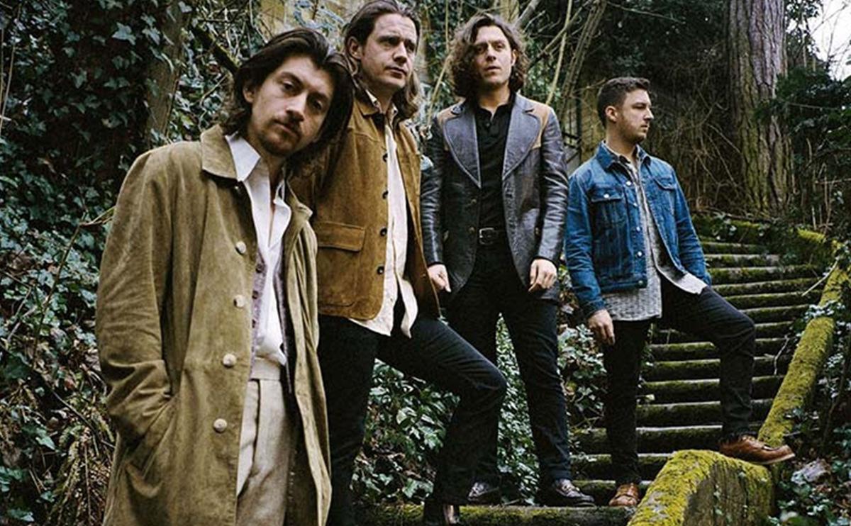 アークティック・モンキーズ新作がリアム・ギャラガーの初週LP売り上げ記録を破る!過去25年で一番の売上枚数を記録 ...